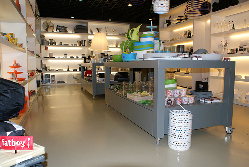 Winkelinterieur essence of wood interieurbouw ermelo for Interieur winkels